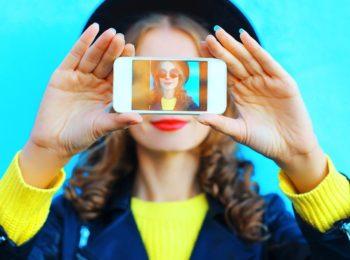 Smartphone e pc: dannosi per la tua pelle, come proteggerci?