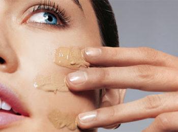 Pelle impura e sensibile: quale fondotinta usare?