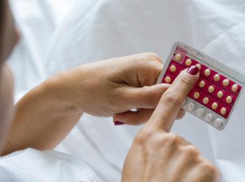Pillola anticoncezionale: cos'è, come funziona e controindicazioni.