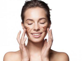 Gommage: il metodo di esfoliazione per le pelli sensibili.