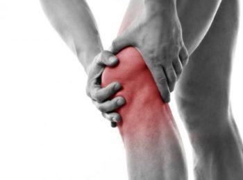 Versamento al ginocchio: cause e trattamenti