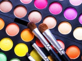 Ombretti: cosmetici decorativi