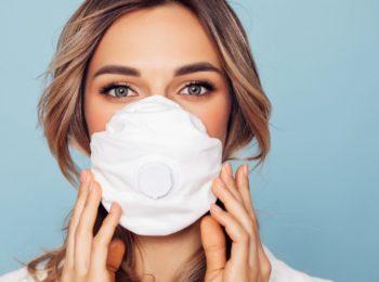 Perdita di ciglia: lo sapevi che la causa può essere la mascherina?