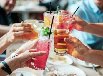 Binge drinking: il pericoloso zero-cento alcolico sempre più diffuso tra i giovani